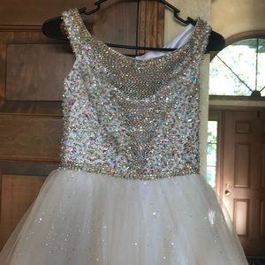 Tiffany Designs Dresses - Ivory & Gold 12 slim girls Tiffany pageant gown